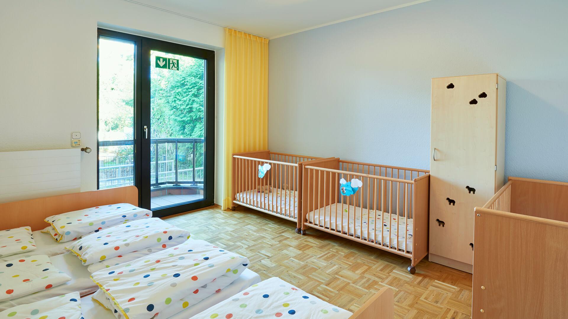 Ruheraum am Standort Essen-Bredeney, mit Betten für kleine und große Kids