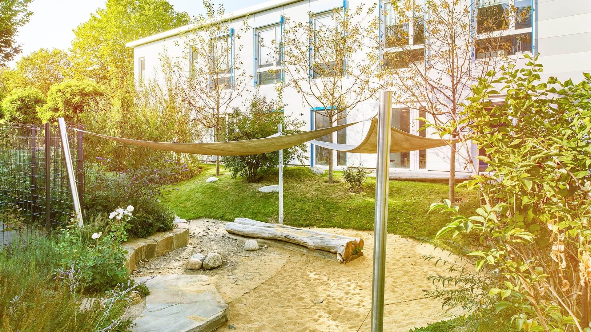optimaler Betriebskindergarten Fassade aussengebaude